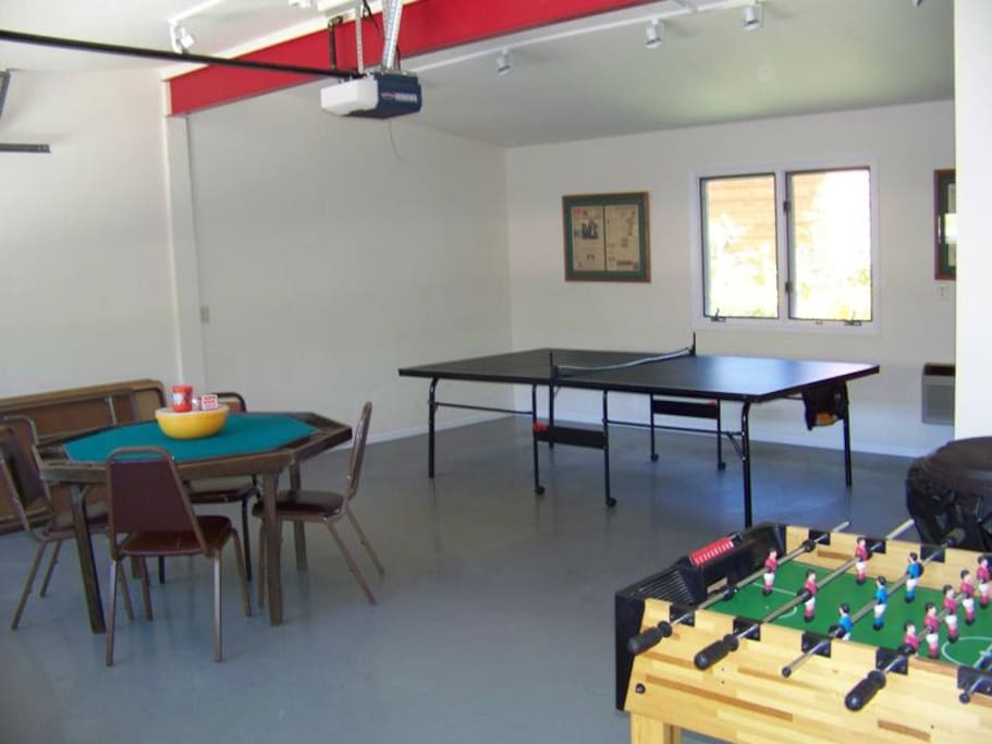 Game room area with ping-pong table.