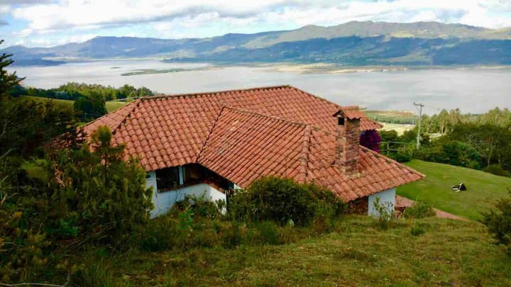 Casa de campo - hermosa vista a Tomine