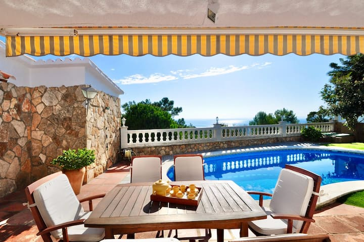 Villa Rental - Desire, sea view, pool, 500m from the beach