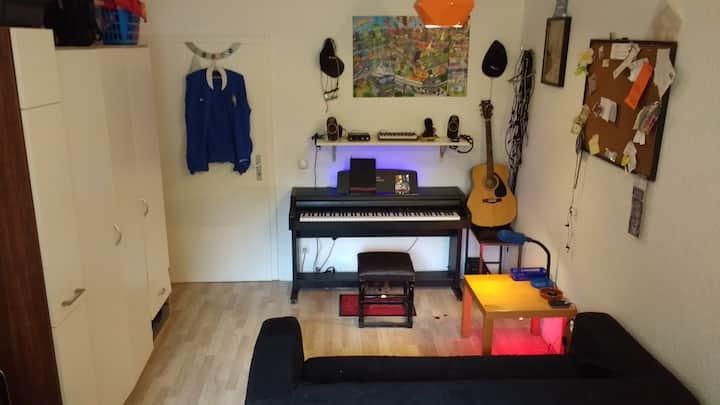 22 m² Zimmer in zentraler Lage mit netten Leuten
