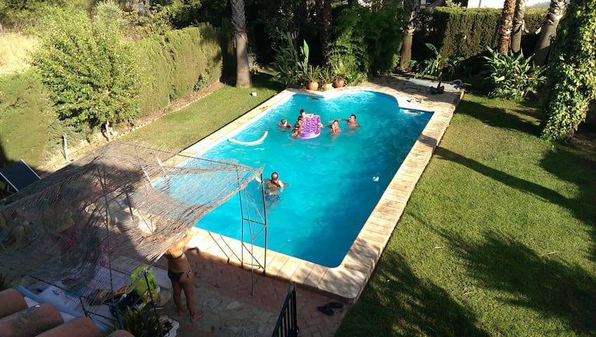 VILLA CÓRDOBA: Incl swimmingpool, parking, privacy - Cordova