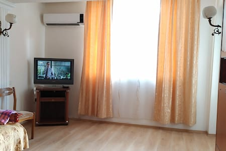 Сozy (3 room) apartment in the Centre