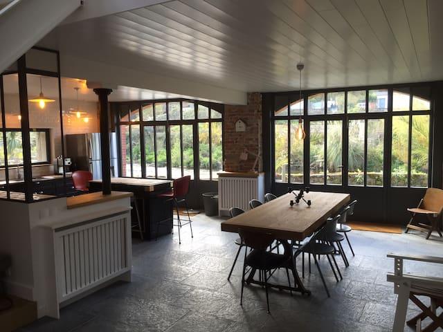 Loft de 240 m2 sur la riviére - Pontrieux - Ev