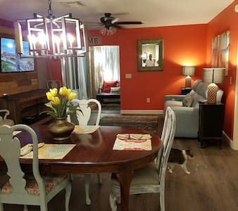 Beautiful Home-Walking Distance to Sumter Landing - The Villages - House