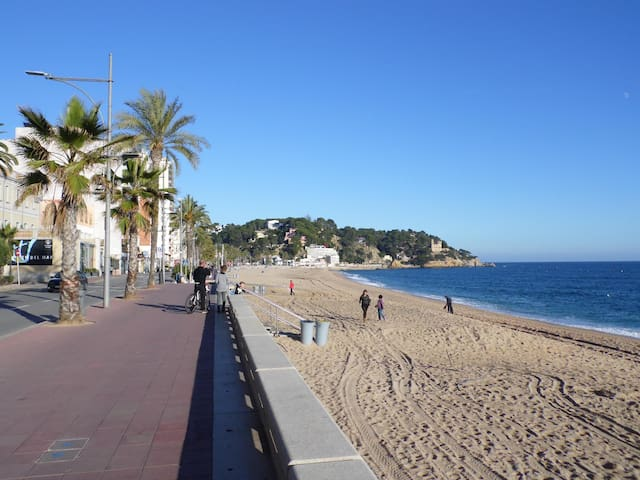 House in Lloret center 50 meters from the beach - Lloret de Mar - Casa