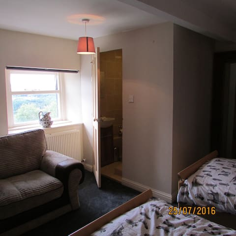 Twin room, Tollgate house - Pudsey - Apartmen