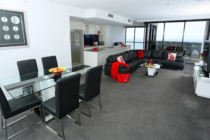 Beautiful and Spacious Circle on Cavill Apartments - Surfers Paradise - Apartamento