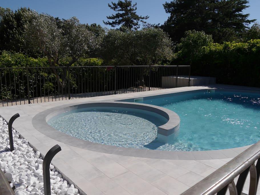 Piscine contemporaine double bassin