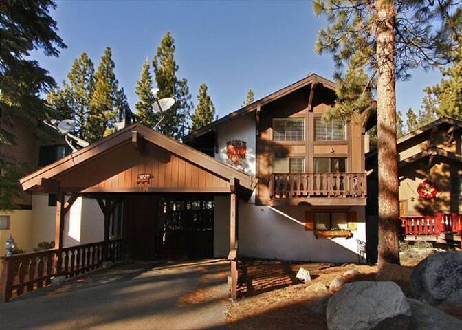 1198T-Tahoe-Tyrol-Cabin