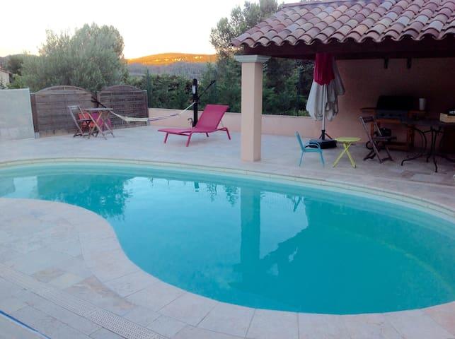 Maison T1 proche de Cassis, Bandol, Castellet - Cuges-les-Pins - Casa