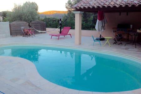 Maison T1 proche de Cassis, Bandol, Castellet - Cuges-les-Pins