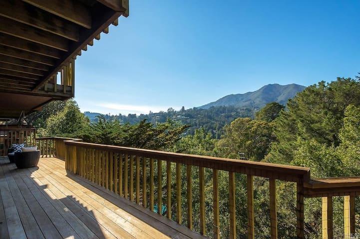 Quiet Retreat with Stunning Views