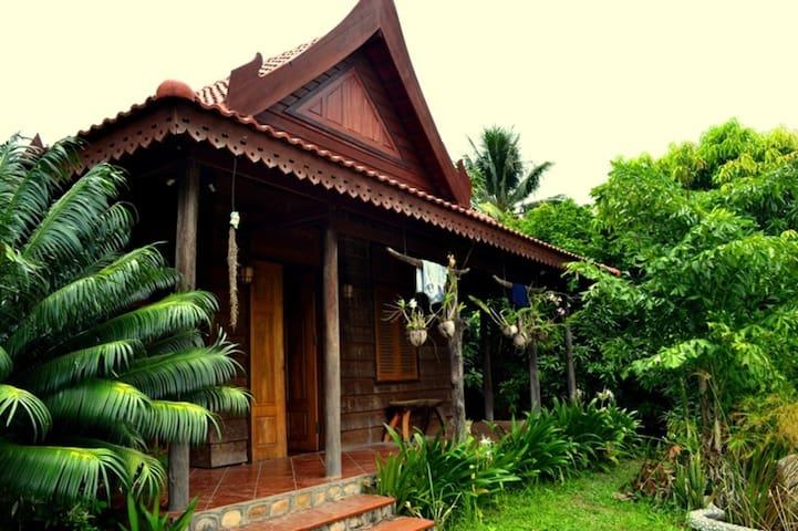 The Plantation - Krong Kampot - Hostel
