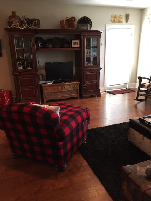 Living area, direct tv, Wi-fi