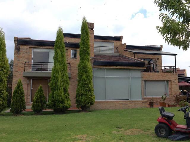 Casa Campestre rodeado de naturaleza - Bogotá - Casa