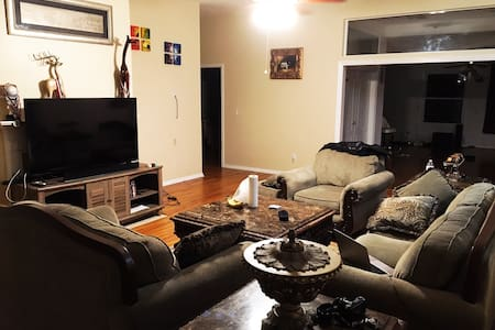 [DORY Rm] Luxurious, Spacious House by Town Center - Jacksonville