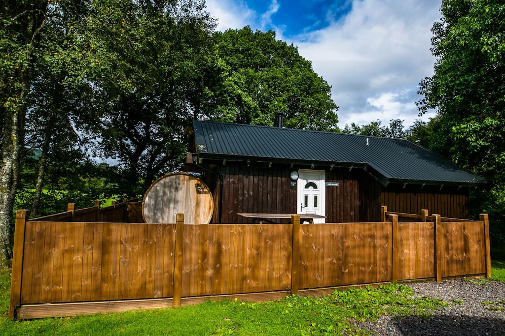 Taigh Nan Con Log Cabin Dalavich Hot Tub Sauna: log cabins with hot tubs scotland