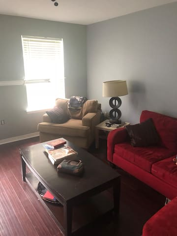 """One bedroom in a OCCUPIED house for """"easy"""" guest"""
