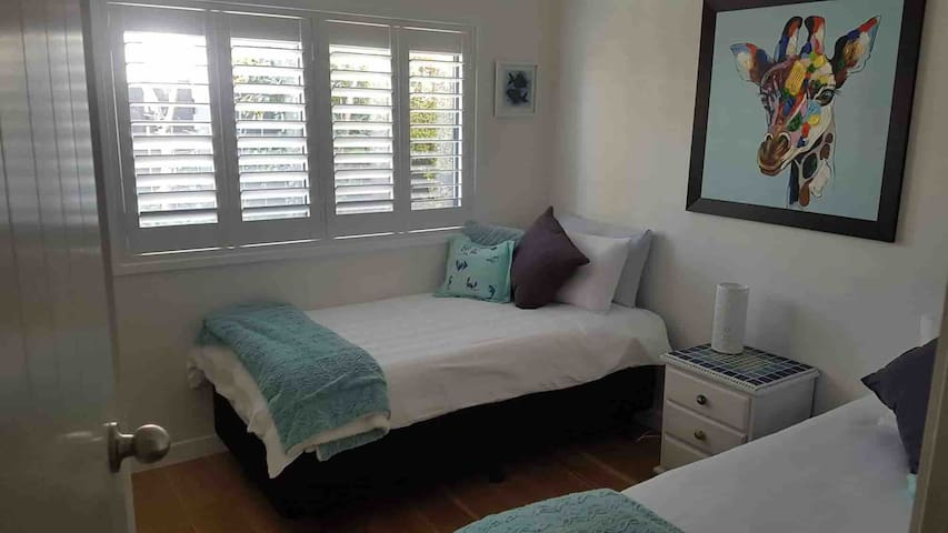 Second bedroom with 2 x single beds