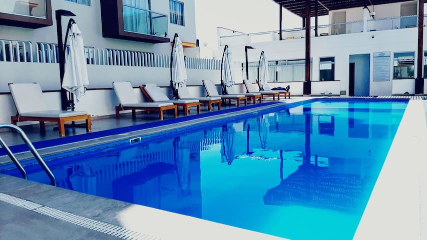 LC.acogedor dpto con vista a la piscina en Piura