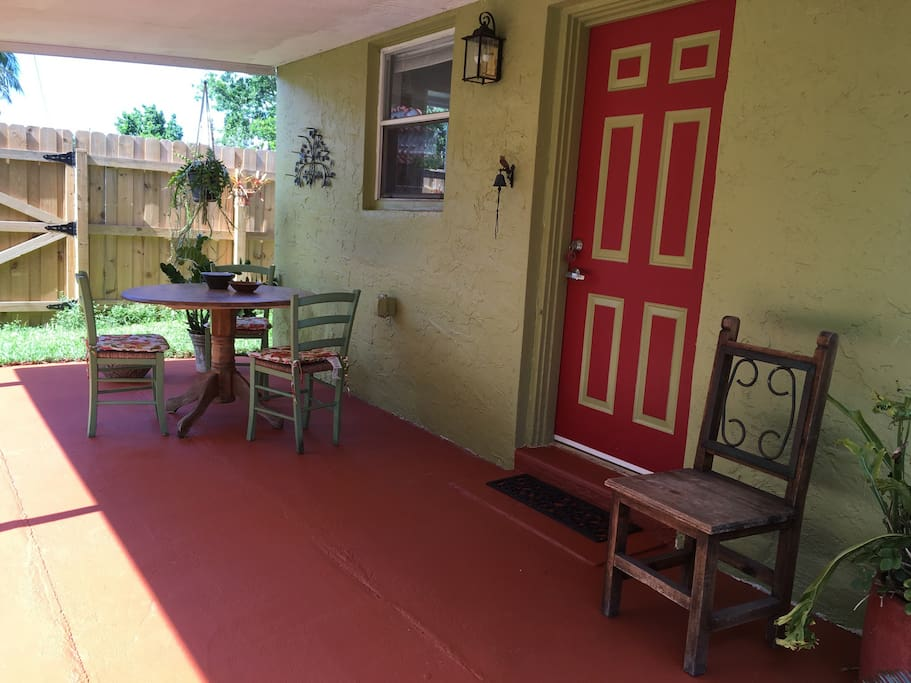 "We invite you to enjoy your stay at the lovely Avocado Cottage. This is the perfect tropical location to come ""home"" to while visiting Miami for fun or work."