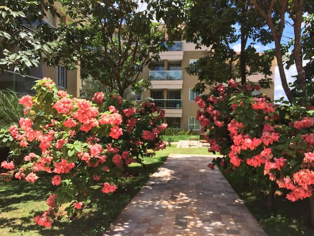 Lindo apt. 2 quartos em Resort Residencial
