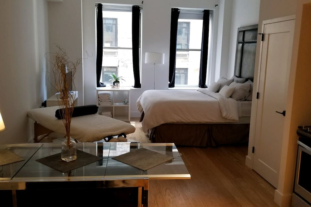 luxury studio loft on wall street appartements louer. Black Bedroom Furniture Sets. Home Design Ideas