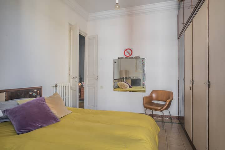 Double room with balcony in art apartment