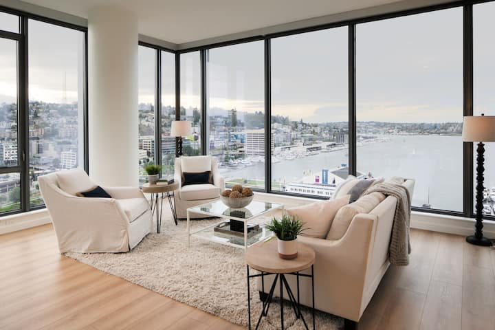 Stay in a place of your own | 1BR in Seattle