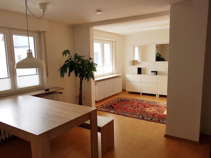 Zentrale Wohnung mit eigenem Zugang
