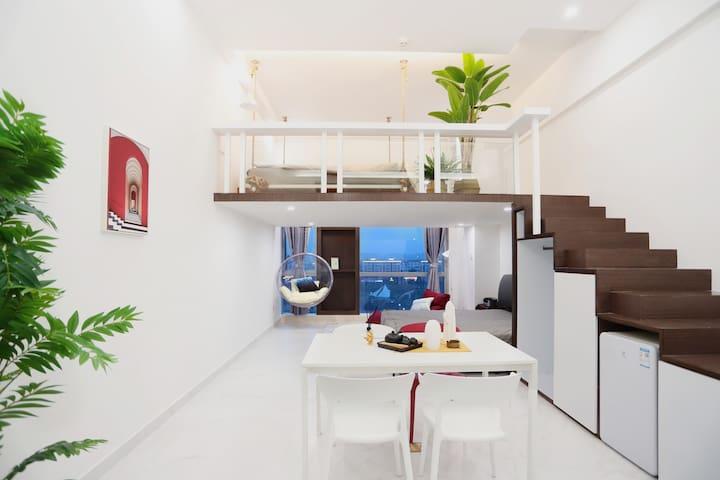 OM噢家『Water』•市中心Loft复式海景公寓 •设计师民宿•家庭影院•漂浮灵动