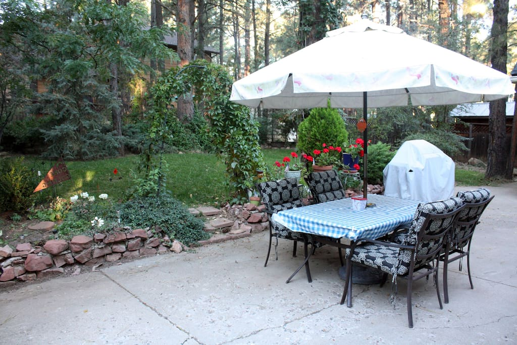 Enjoy the day on the patio looking at the garden space. Includes a nice BBQ grill