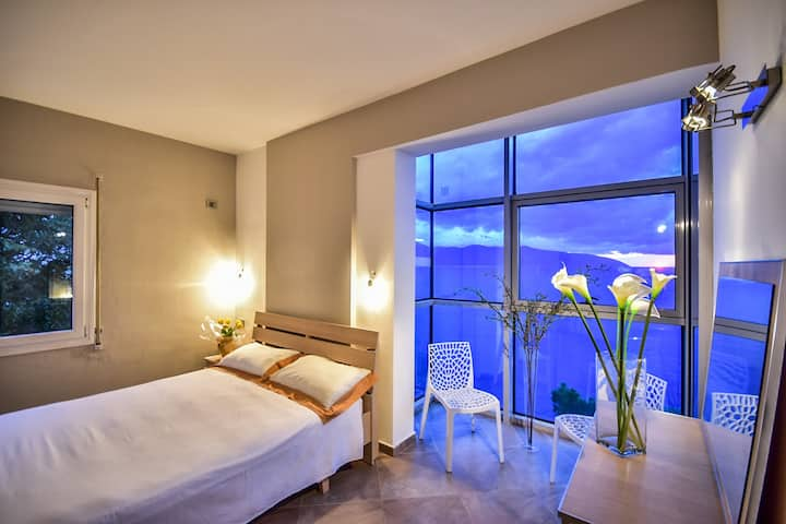Luxury  Belvedere Apartment  in Vlore ( Up to 8 )