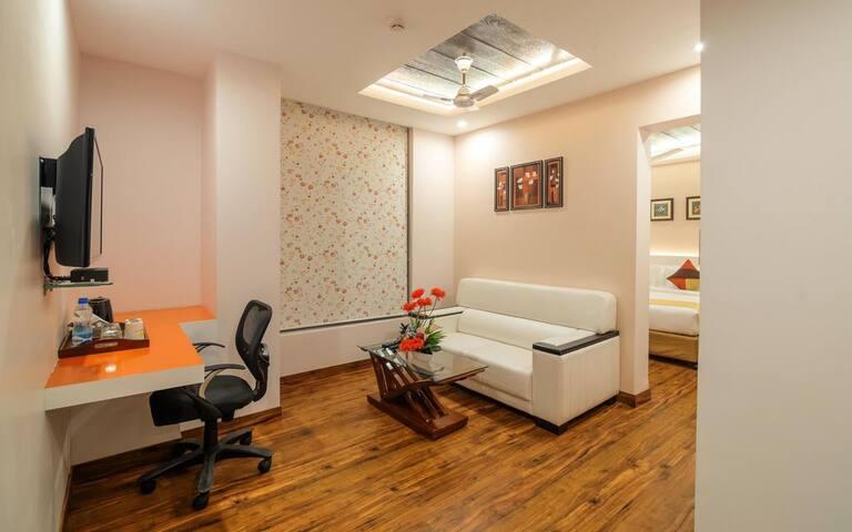 Mango Cozy Hotel Room- Bhubaneswar