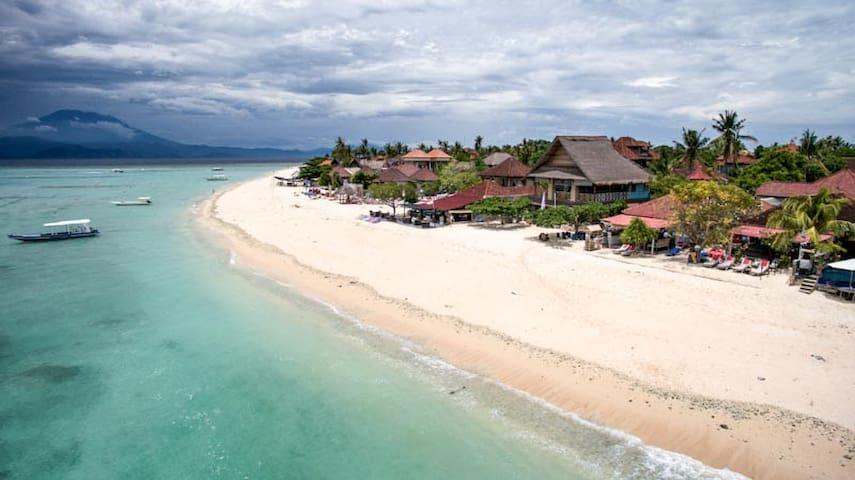 Kainalu 5 Bedroom Beach House in Paradise