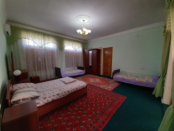 ★Spacious private room near old city★