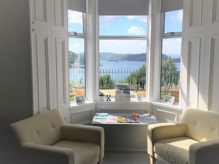 Single room Oban ,shared bathroom, no sea view.