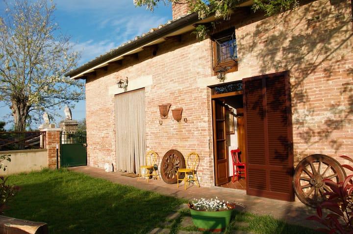 Camera Matrimoniale con bagno privato in campagna