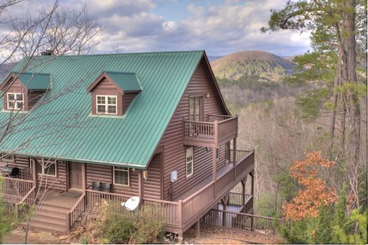 Large Cabin Great for Family Reunions - Sautee Nacoochee