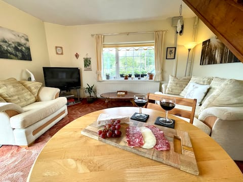 *Cottage with beautiful views. Near to coast*