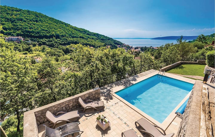 Beautiful home in Moscenicka Draga with WiFi and 2 Bedrooms