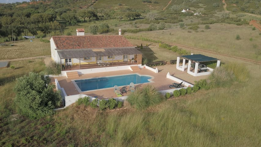 Quiet Country villa with private pool - Garvão - Villa