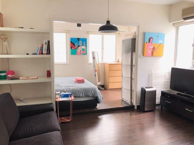 Spacious and arty flat in trendiest neighboorhood