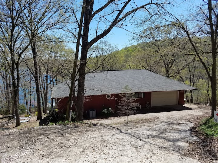 Hog Heaven-Lakefront-Lower Level of Home-Private