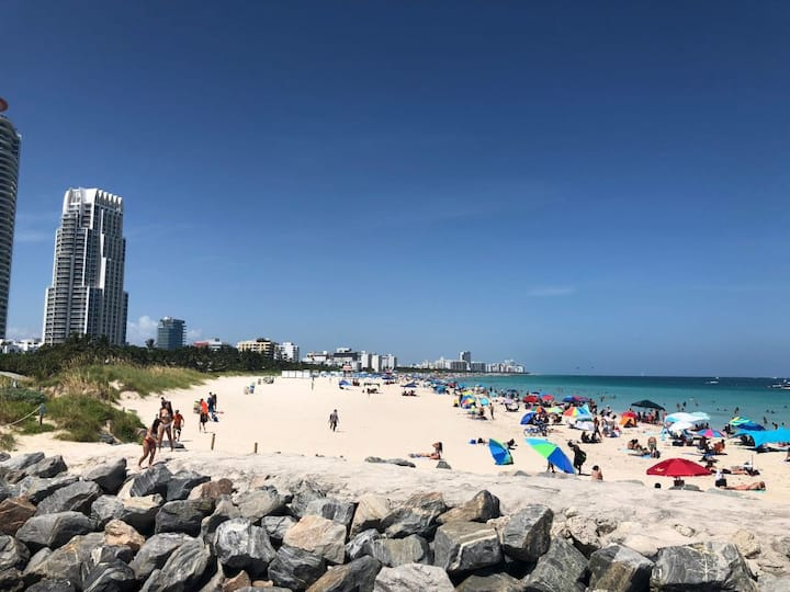 Great Deal! 1BR Suite for 3, Close to the Beach!