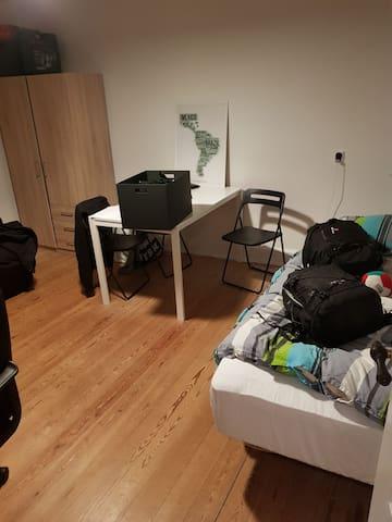 Hyggeligt værelse centralt i Åbyhøj