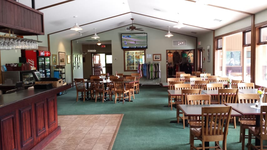 Full service lounge and restaurant