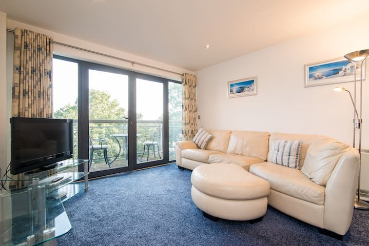 Super 2 bed East Didsbury Apartment - Manchester - Daire