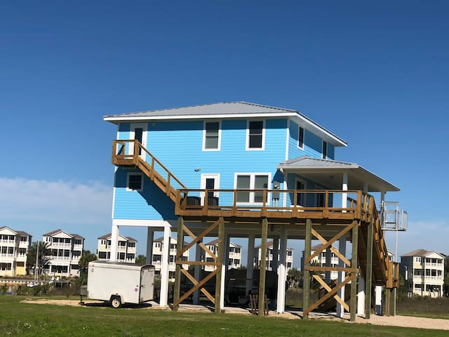 Bird's Up Retreat-Beach house on the Gulf