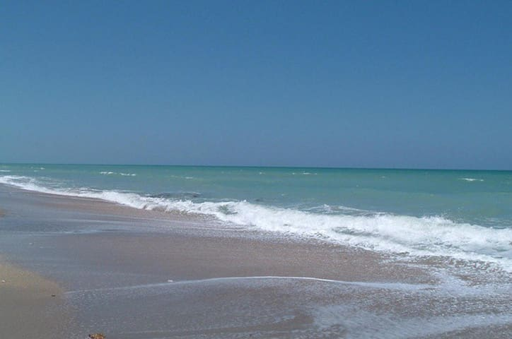 Seaside Getaway!! - Fort Pierce - Condominium